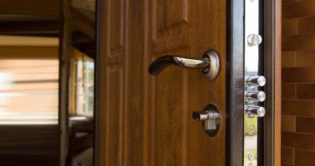 Как открыть дверь в Саратове